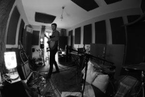 Baptiste Rougery, homme-orchestre, sort l'album Lost In Beaucaire avec son groupe de musique Woody Murder Mystery