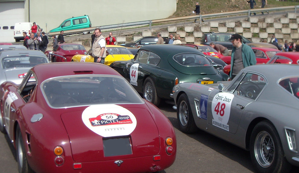 Paddock de l'édition 2010 du Tour Auto