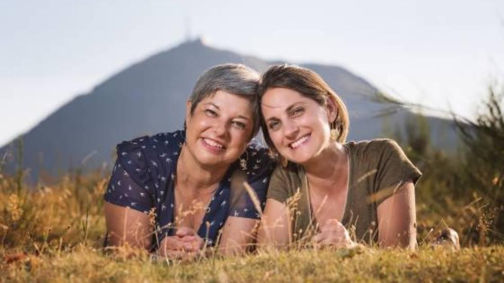Pascale et Soline au pied du puy de Dôme / photo François Schmitt
