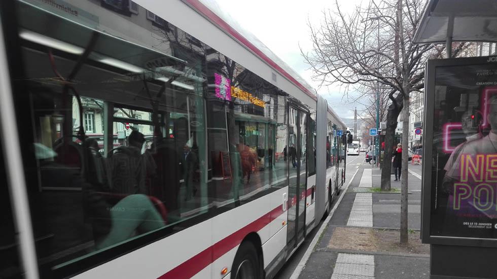 Bus articulé T2C