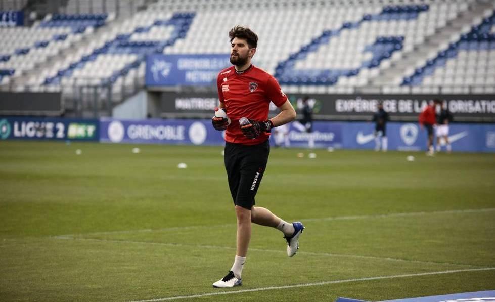 A. Desmas à l'échauffement avant le match à Grenoble lundi dernier / Photo : clermontfoot.com
