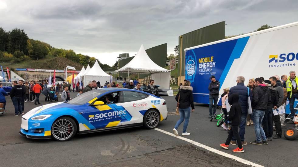 Tesla S100 de compétition, lors de la première édition du Charade Electric Festival / photo O. Perrot