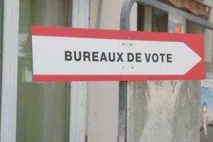 Flèche bureau de vote / Photo 7 jours à Clermont