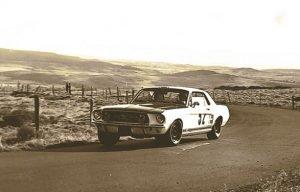 Johnny Hallyday, course de côte du Mont Dore sur Ford Mustang en 1967