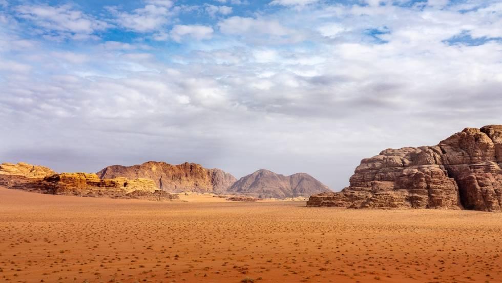 Désert du Wadi Rum / Photo Mike van Schoonderwalt pour Pexels