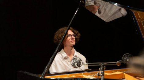 le pianiste Nathan-Mollet-©-Cobra-Sphère